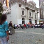 Demócratas d Vzla y el mundo estamos hoy unidos aquí,en Palacio d Justicia,exigiendo libertad plena d @leopoldolopez http://t.co/hQmVf6nkOr