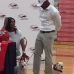 How did Evander Holyfields son announce he was committing to Georgia? With puppies! http://t.co/bpYiM1lH9s http://t.co/Pi5G70NF9G