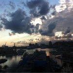"""""""lunico vantaggio di avere un grattacielo a Caricamento #trovalalanterna"""" @lucabricarelli grazie mille ;) #genova http://t.co/kkVf9OQ852"""
