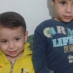 Drowned toddler #AylanKurdi was laid to rest in Syrian city his family was trying to flee: http://t.co/gx5Db4Ysu3 http://t.co/kOuzfejwDi