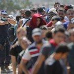 Multimillonario egipcio ofrece comprar una isla para refugiados http://t.co/jc4C1suZDE http://t.co/l6gldCRhnv