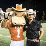 @BradPaisley plans to headline 'College GameDay' kickoff in Texas! http://t.co/8XqC5dTgTp http://t.co/kDie1HPRhu