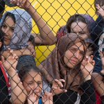 Hundreds of migrants defy Hungarian authorities, heading for Austria and other EU countries http://t.co/z2XnXlFuA5 http://t.co/GHomlwrNFo...