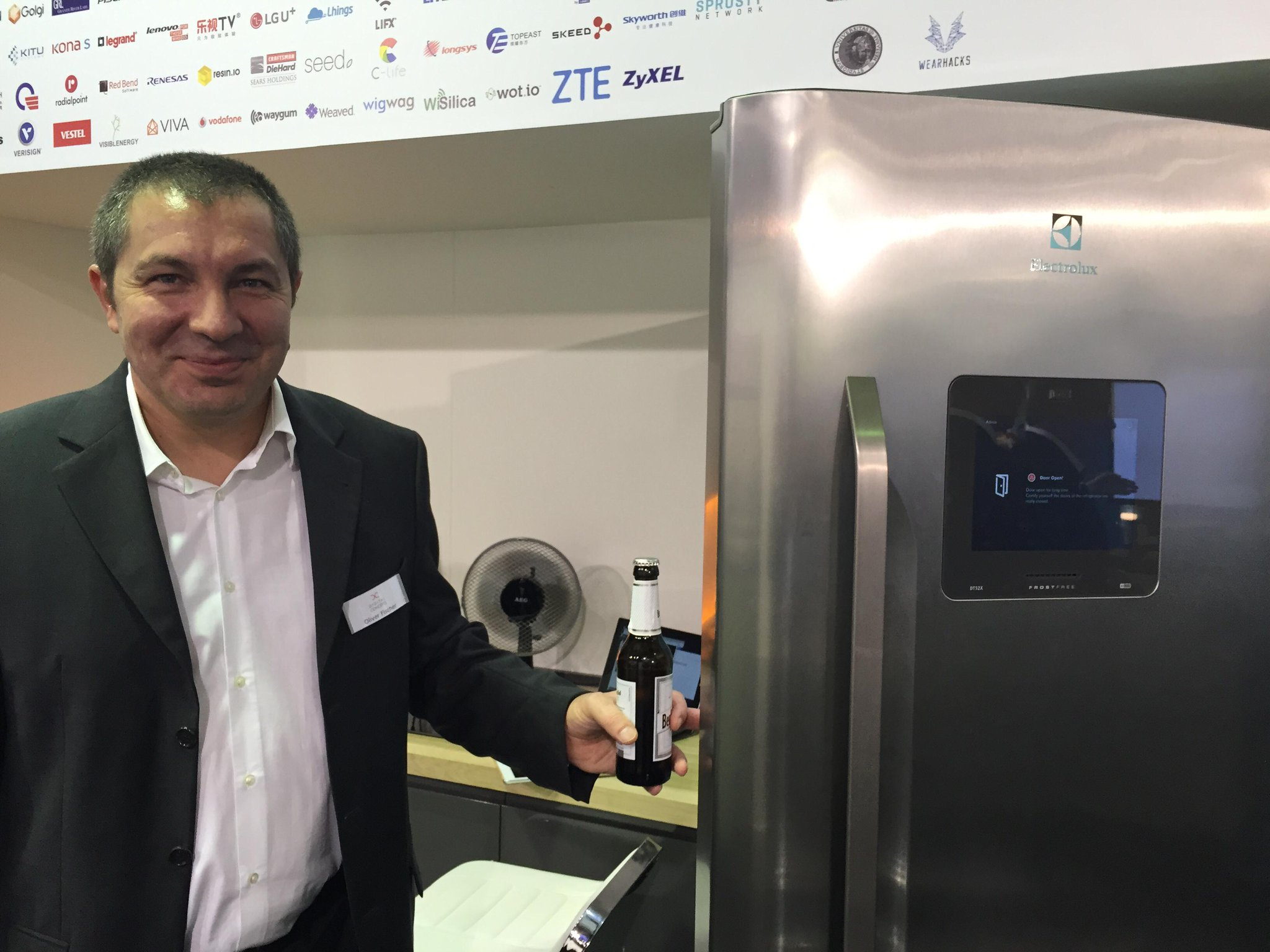 ... and now (step 2) the beer is ready. EnOcean over IP at #IFA15 at it' s best via #AllJoyn http://t.co/KX0jGEN3ya