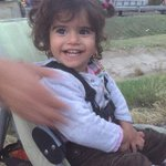 Little girl happy to get a stroller from Hungarian citizen on march from Budapest to Vienn… http://t.co/aug8YTIajr http://t.co/gnf92USf48