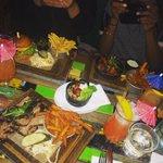 Dinner vibes with da ladies @E_Alzee @HeyTallulah @TheBluesKitchen #Shoreditch #London ???????????????? http://t.co/02MvdlAbv9