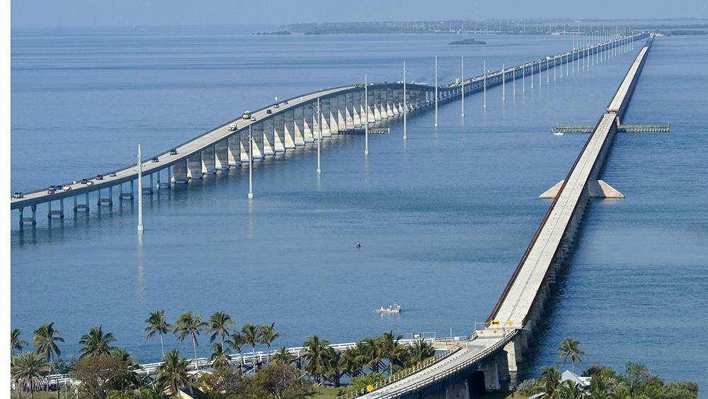 "Florida Keys Seven Mile Bridge is on Huff Post's ""10 Awesome Bridges Around the World"" list. http://t.co/5xwwPhQWrA http://t.co/IQXlctUYR2"