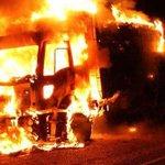 Hakkaride teröristler bir kamyonu yaktı http://t.co/2cQCeCwSL9 http://t.co/iaP2SLDUw1