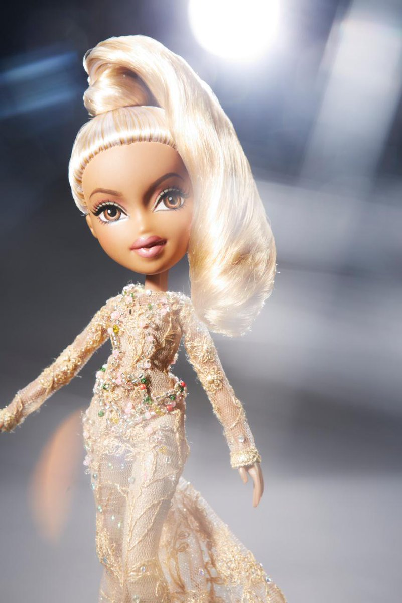 Wishing a #fierce birthday to a strong, empowering woman - @Beyonce! #HappyBirthdayBeyonce #beyonce #bratz #beyday http://t.co/5D3jSK70Rq