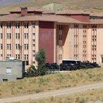 HDP heyeti, sokağa çıkma yasağı ilan edilen ve telefon hatları kesilen Cizreye gidiyor http://t.co/ZD5lDku63Q http://t.co/igzlCLJrX5