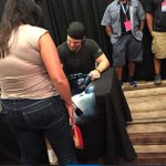 [PICTURE] Stephen Amell at #DragonCon https://t.co/EBt0ENIpyN http://t.co/PuhVbxOvO0