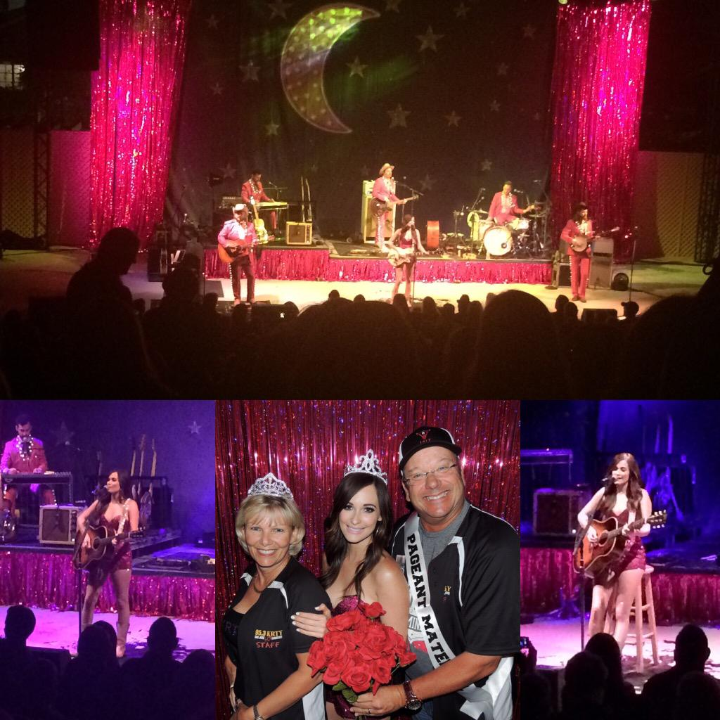 Wednesday night was full of sparkles & incredible music. Thanks @KaceyMusgraves for bringing your show to town!
