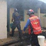 via @Lodiceunloco: ASÍ APAGAN EL FUEGO BOMBEROS EN MONAGAS... http://t.co/i5xYRZkyxu #Maracaibo