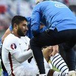 La FFF vient dannoncer que Fekir souffre dune rupture des ligaments croisés, il sera absent pendant 6 mois minimum. http://t.co/2KdlbUffH0