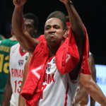 Acá el gesto de Michael Hicks para el equipo de @Sport890 tras la victoria de Panamá ante Brasil que clasificó a Uru http://t.co/esFUwy6msz