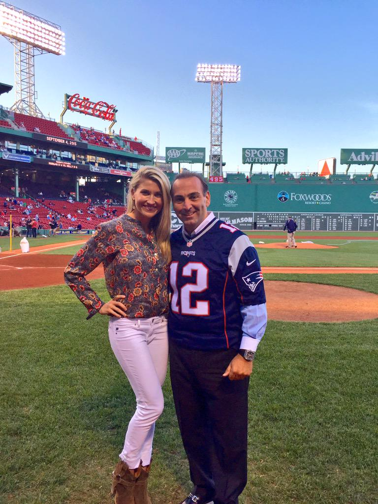 Thank you @NickVarano for buying the first pitch at our @BuchholzBowl! You Nailed it!! @ClayBuchholzFdn @RedSox http://t.co/Bvl5OJ9LcU