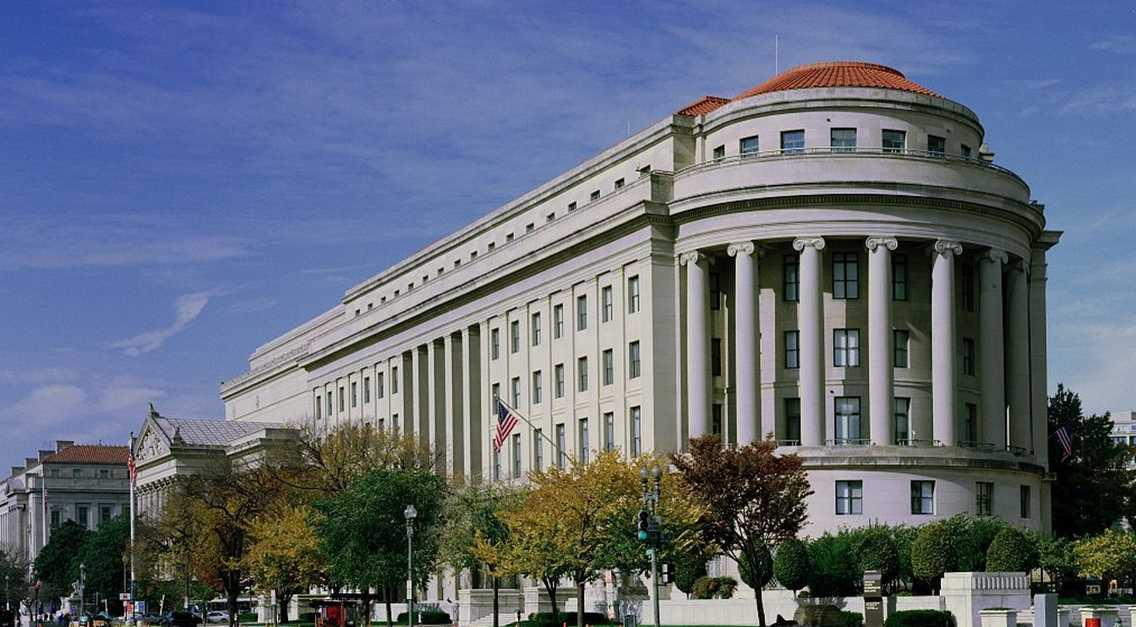 via @RecentApp: FTC commissioners call for strong encryption, push back against FBI, NSA http://t.co/iIl3Er3Cz8 http://t.co/1TgfmyxDGj