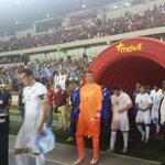 #PANURU | La selección uruguaya ya está dentro del campo de juego del Rommel Fernández. En minutos Panamá - Uruguay. http://t.co/JlCZ79LGxG