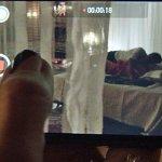 E a Atena, que não é boba nem nada, filmou tudo! #ARegraDoJogo http://t.co/kgkXAaggm4