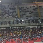 Apoyando a Leopoldo Lopez desde el juego de La Vino Tinto contra Honduras en el parque Cachamay http://t.co/u3M9Waey7T