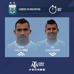 Entró @carlitos3210 para jugar los últimos 10 en #Argentina, salió Agüero. http://t.co/3I7eiFrQBo