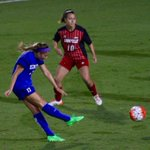 UKs @katy_keen put the Cats ahead 1-0 over Louisville in the 60th minute @UKWomensSoccer @KYKernelSports http://t.co/yMt0lPwjtI