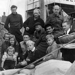 October 1950: Latvian refugees arrive in Penzance, Cornwall, after escaping from a Baltic port http://t.co/gPT75q2l1c