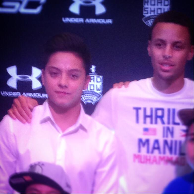 meet and greet ng mga idol #UARoadShowManila @StephenCurry30 @imdanielpadilla http://t.co/vQQ4IG5z8N