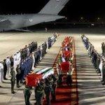 اللهم ارحمهم واسكنهم فسيح الجنات وانزل الصبر والسكينه على ذويهم #استشهاد_جنود_الامارات #استشهاد_جنود_البحرين http://t.co/oaZPB5OuH6