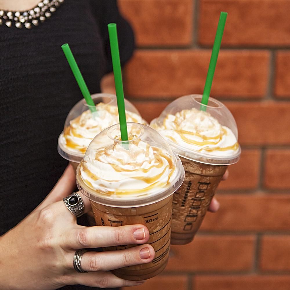 O nosso Frappuccino Mocha Caramelo Flor de Sal é tão irresistível que fica difícil pedir um só. <3 http://t.co/0j7Rn0wtyF
