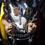 Diferida audiencia jucio a Leopoldo Lopez al 10 de septiembre http://t.co/R5hjwzwuXE http://t.co/x2rSyNHtFL