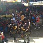 JUSTO AHORA: GNB en el Mercado Municipal de Puerto La Cruz en el Estado Anzoátegui. CONTRA EL BACHAQUEO. FOTO 5 http://t.co/tGl09ZOQsw