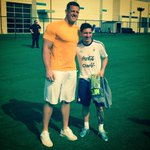 Cool of JJ Watt to take a picture with that kid. http://t.co/m5CperbyIU