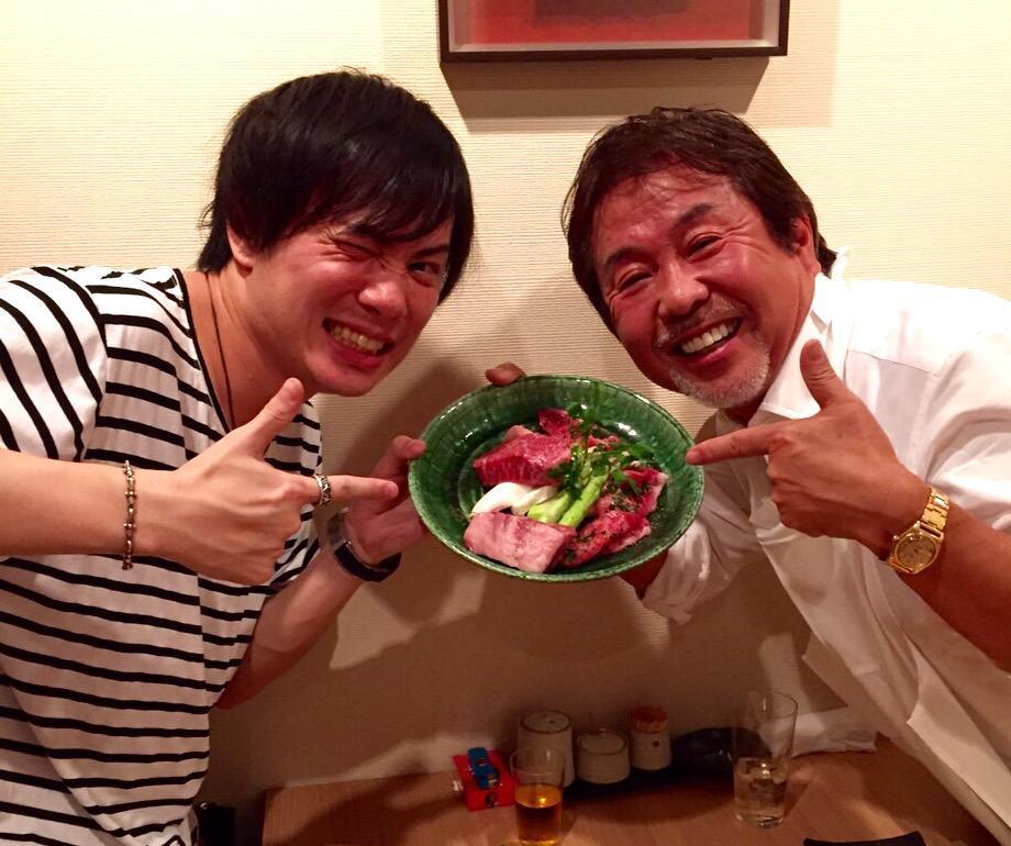 肉肉肉ぅ〜! 肉食3人男〜!( ´▽`)ノ  鈴木達央くんと久芳ディレクターと俺!  3時過ぎまで男飲みじゃ〜!(*゚▽゚*)
