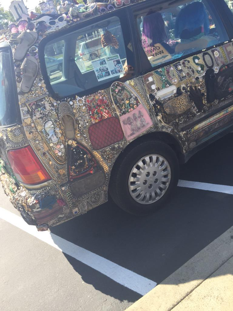 The infamous art cars at the artwalk #artwalkrainierbeach http://t.co/5PfBPYksoA