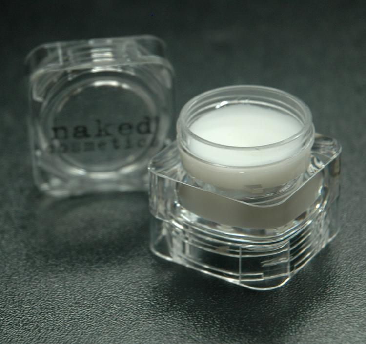 Eye Shadow Primer- Makes #pigment waterproof #makeuptip: Use extra primer for a matte finish http://t.co/z1sAouFMV0 http://t.co/L2ak87LEuP