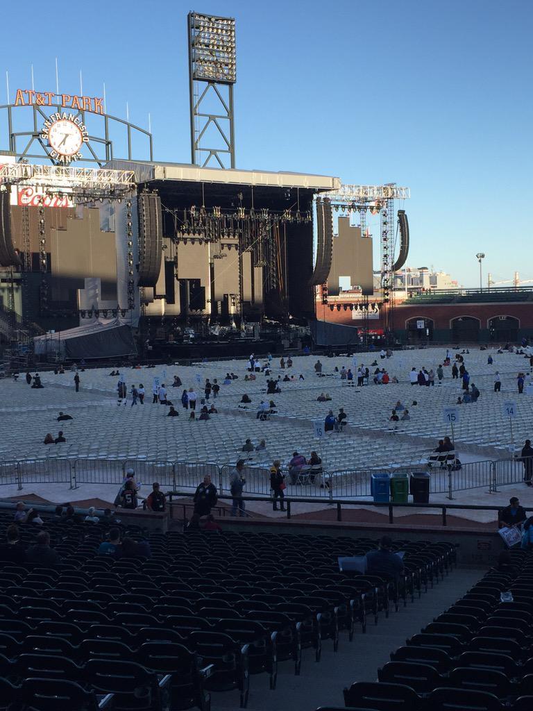 Great night for a concert at @ATTParkSF. #BillyJoel #attpark http://t.co/jpjMPdwnYh