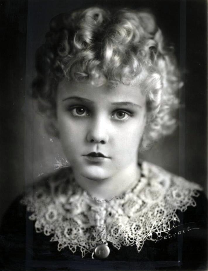Very sad news – we have just heard that Jean Darling, Our Gang star and silent film evangelist has died http://t.co/RDsIFOw2rP