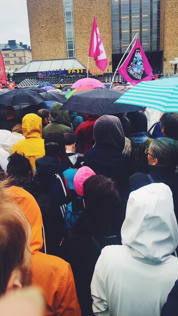 #RefugeesWelcome Stockholm - ut med rasisterna in med feministerna