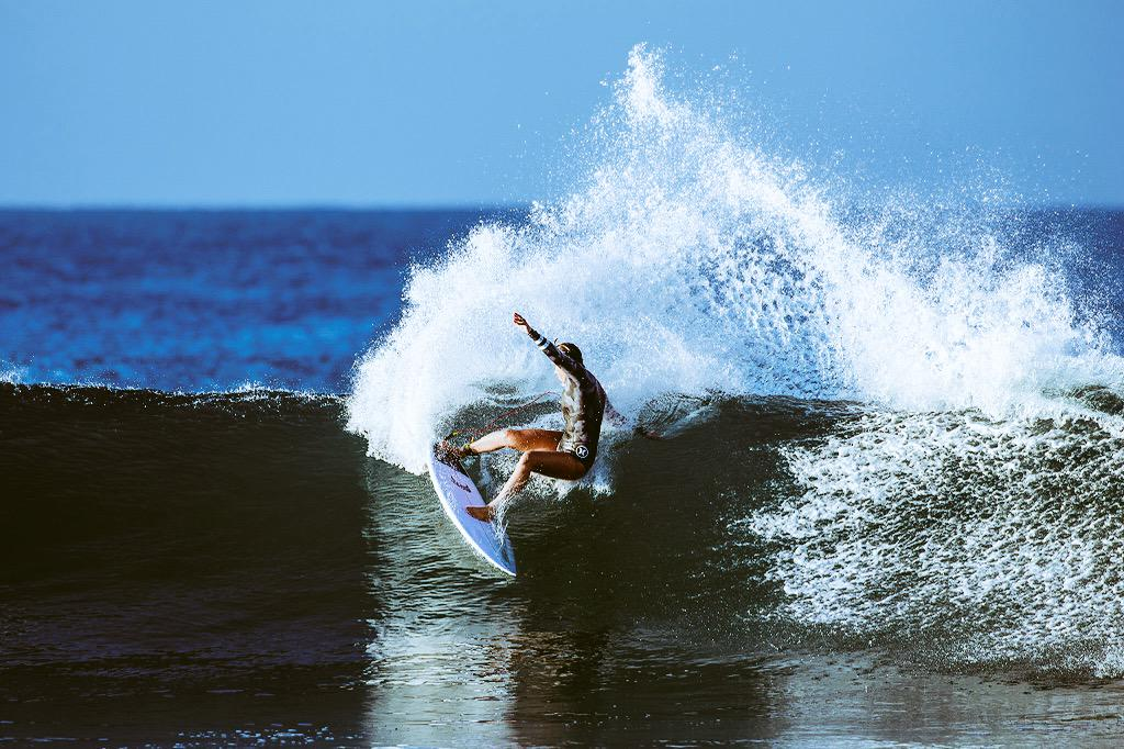 Trying out some new weapons @lostsurfboards thank you...they are magic