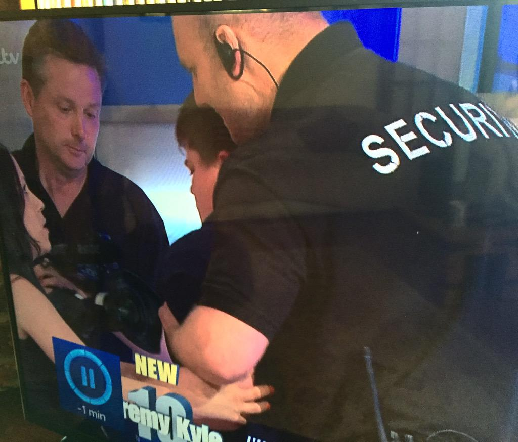 Here's @alexhufflepuff risking his life for @itvjeremykyle http://t.co/VdSiFT05bt