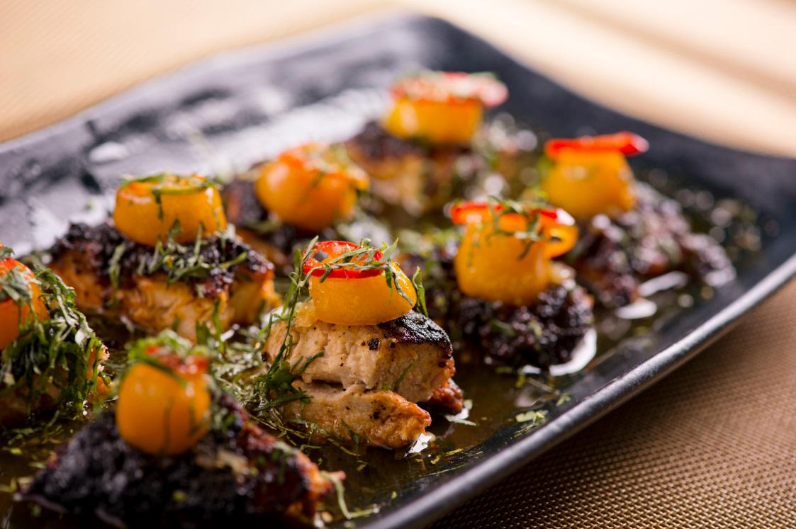 Perfect for sharing! Char-Grilled Chicken with a Kumquat Lemongrass Dressing at Spice Market. #BookWDoha for tonight! http://t.co/cEu9FzReUL