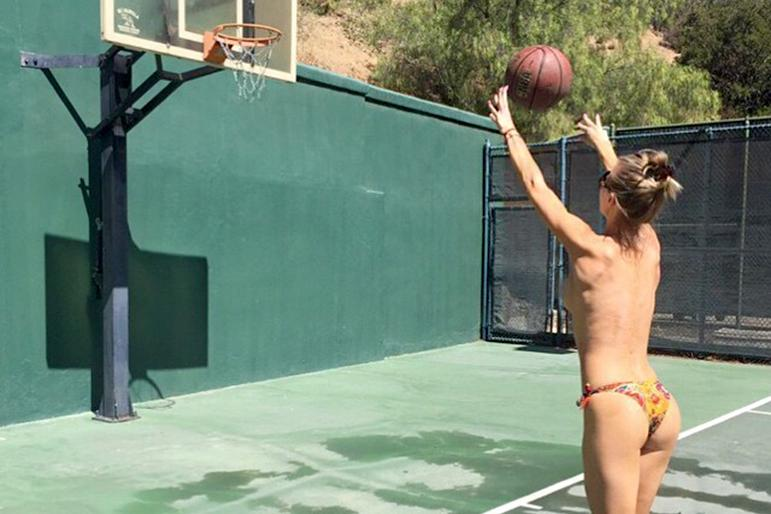 Girls basketball games nude