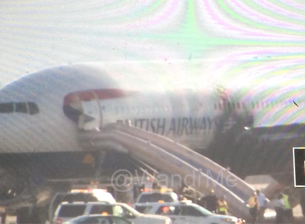 Just landed at @LASairport and can see the @British_Airways plane out the window. http://t.co/pFbZEDhfuJ