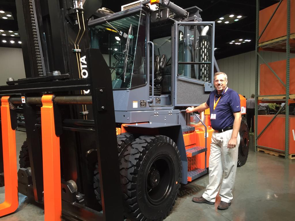 Is a 36,000 lb capacity forklift big enough for you? Cummins Diesel engine too. #ToyotaForklifts I'll take 2! http://t.co/y5tz8HHXKU