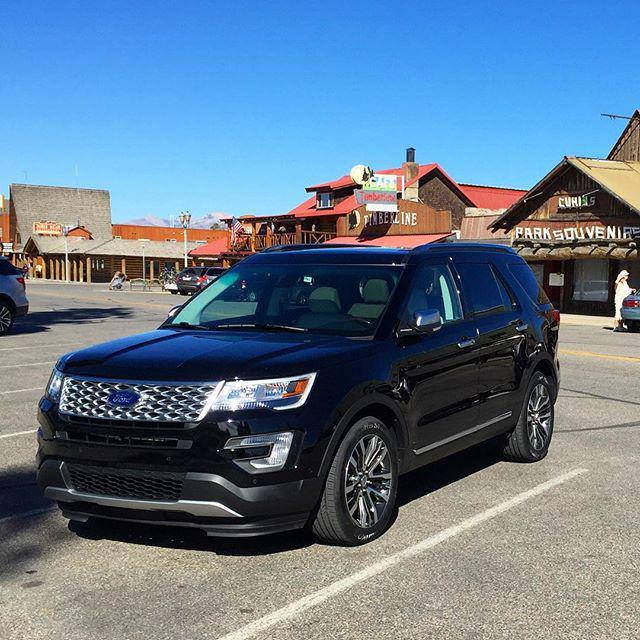 The Platinum Explorer, even good for souvenir shopping in Yellowstone! Thanks @Ford #ExploreMore http://t.co/FDHGU9DbD9