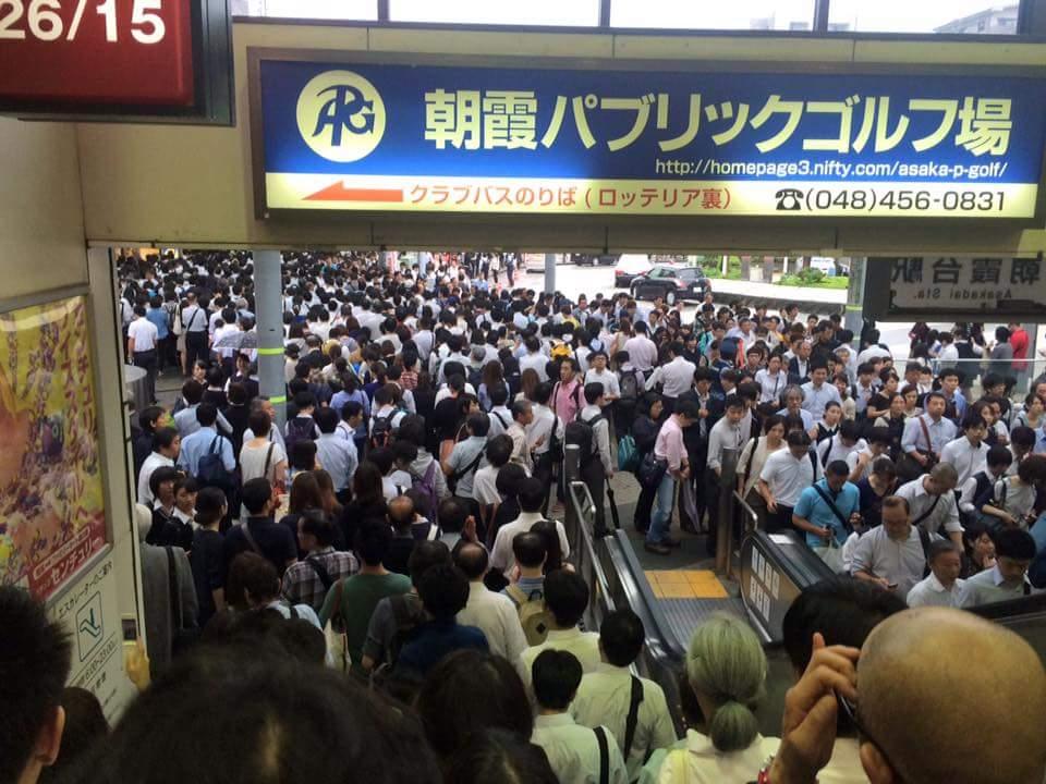 朝霞台駅、北朝霞駅の間はカオスに。 いつになったら武蔵野線に乗れるのか…(´;ω;`) http://t.co/NH0ThQxC7S