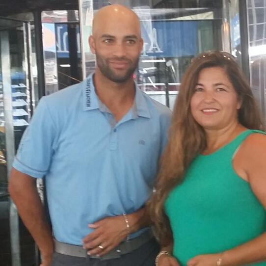 I feel so bad for James. I had just interviewed him as he,was waiting for his car. #JamesBlake #Hyatt http://t.co/1IQwy80mZt