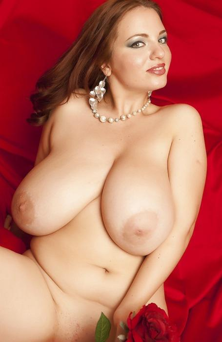 фото большая висячая голая грудь