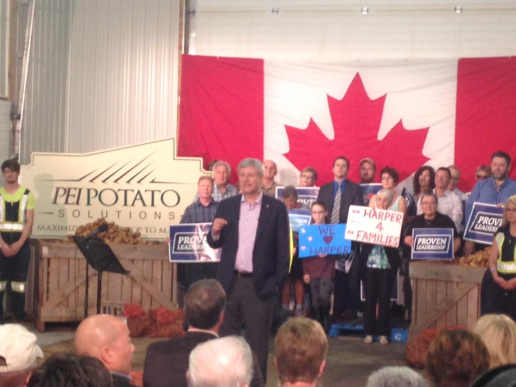 I still don't understand why Harper is making a lobster announcement in a potato warehouse #elxn42 http://t.co/jWBackkMjo